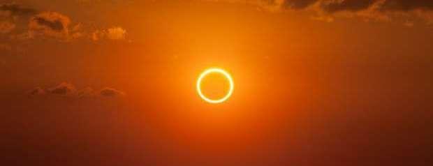 Eclisse ibrida del 03.11.2013